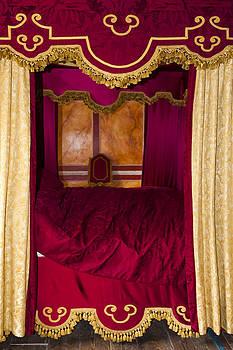 Svetlana Sewell - Red Bed