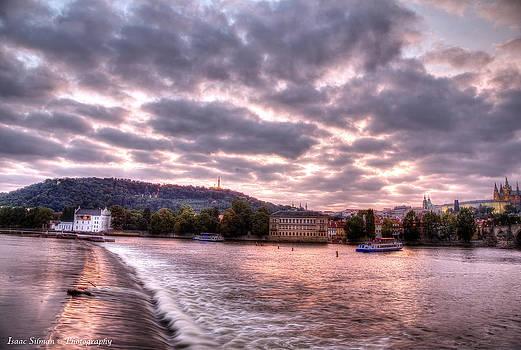 Isaac Silman - Red skys Prague