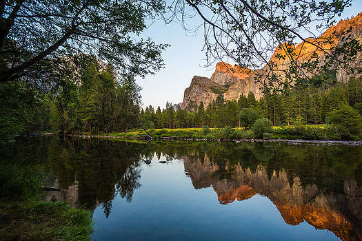 Reflections of Valley View by Mike Lee
