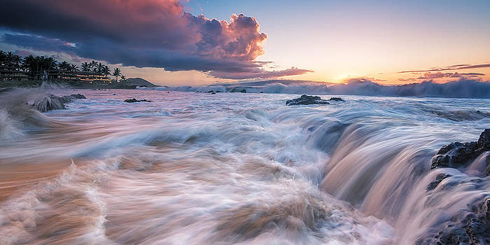 Restless  by Hawaii  Fine Art Photography