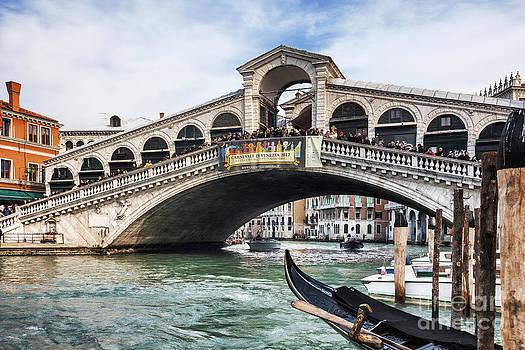 Rialto Bridge by Radu Razvan
