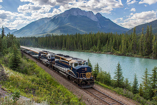 Rocky Mountaineer at Muleshoe on the Bow River by Steve Boyko