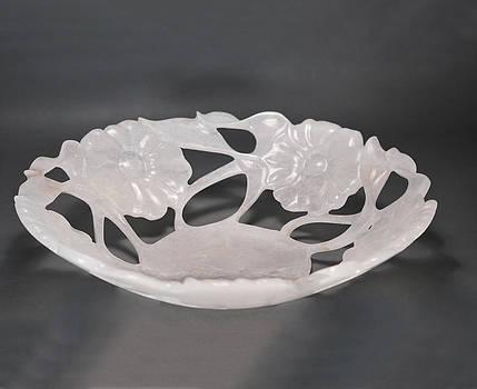 Rose Vase by Leslie Dycke