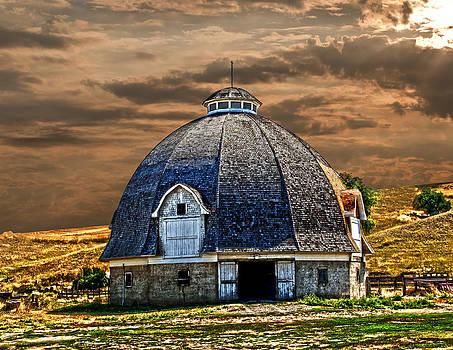 Randall Branham - Russian Built Round Barn