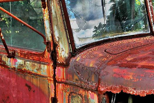Rusting Autocar by Graham Hayward