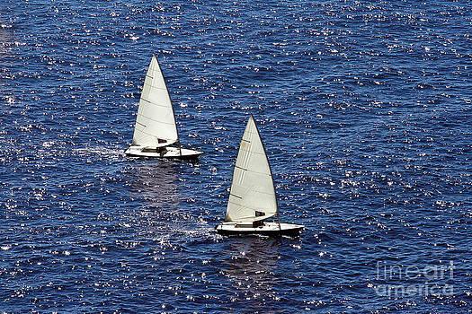 Sailing by Lars Ruecker