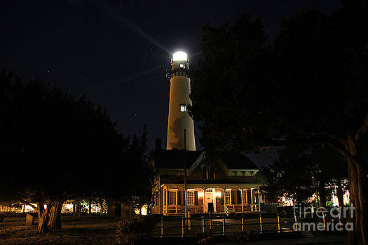 Saint Simons Lighthouse by Leslie Kirk
