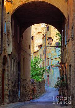 Inge Johnsson - San Gimignano Archway