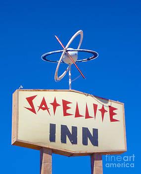 Gregory Dyer - Satellite Inn