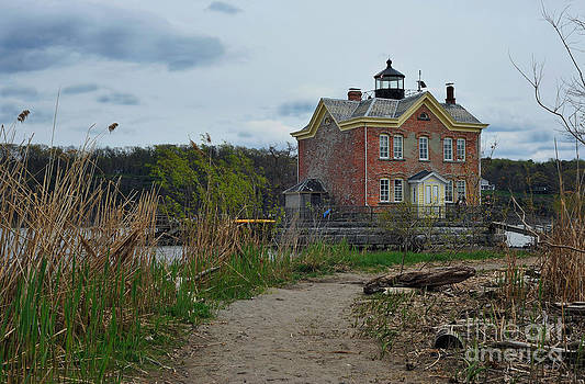 Saugerties Lighthouse on the Hudson River by Tina Osterhoudt