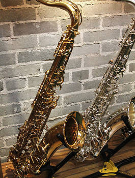 Sax Duo by Lindy Brown