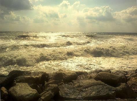 Sea in autumn by Rumiana Nikolova