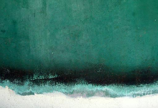 Sea Storm by Robert Riordan