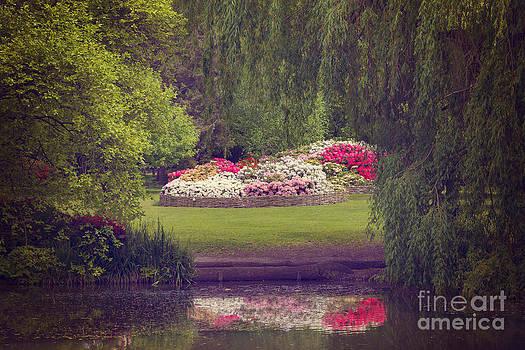 Svetlana Sewell - Secret Flower Basket