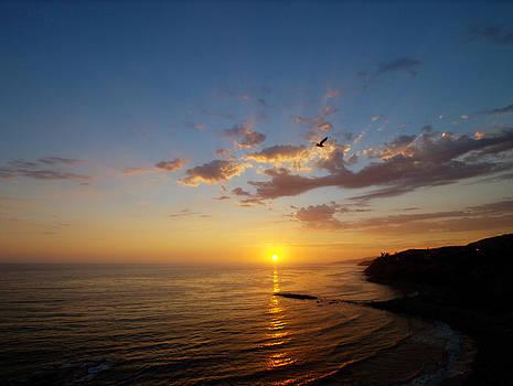 September Sunday Sunset Along the Palos Verdes Coast, California.  by Joe Schofield