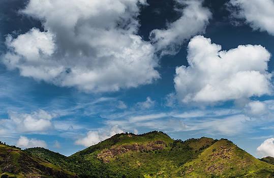 Serra dos Mascates - Valenca - Brazil by Igor Alecsander