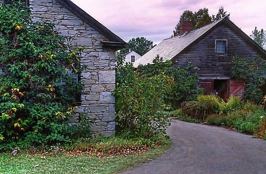 Matt Create - Settlers House and Barn