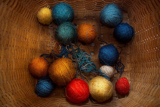 Mike Savad - Sewing - Knitting - Yarn for cats