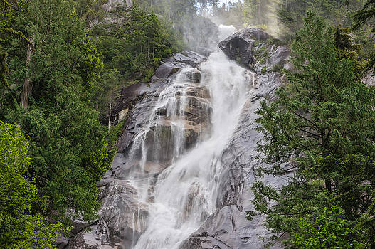 Shannon Falls by Volodymyr Kyrylyuk