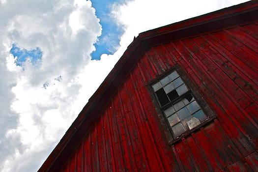 Shelburne's Barn by Graham Hayward