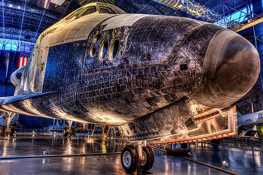 Shuttle Discovery by Dan Girard