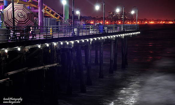 Side of the pier - Santa Monica by Gandz Photography