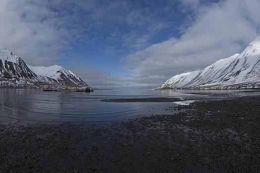 Siglufjord. by Erlendur Gudmundsson