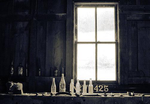 Light 425 by Paulette Maffucci