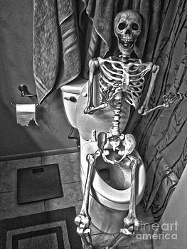 Gregory Dyer - Skeleton on the crapper