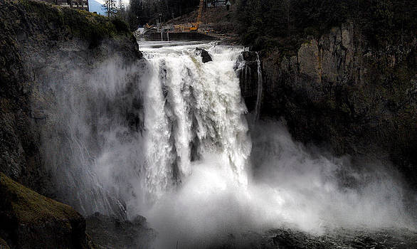 Snoqualmie Falls by Rusty Jeffries