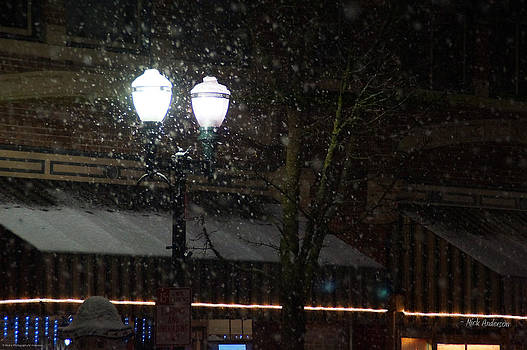 Mick Anderson - Snow on G Street in Grants Pass - Christmas