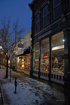 Mick Anderson - Snow on G Street - Old Town Grants Pass