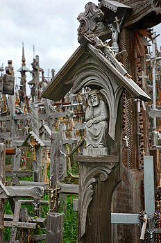 Mary Lee Dereske - Sorrowful Christ Lithuania Hill of Crosses