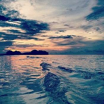 Speed Boat Trip @ Sunset  by Lola Ginger
