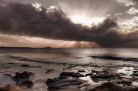 Split Light by Vjekoslav Antic