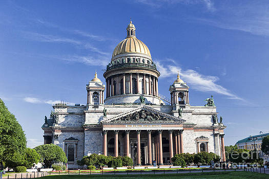 St. Isaacs Cathedral in the morning. St Petersburg. Russia by Vladimir Sidoropolev