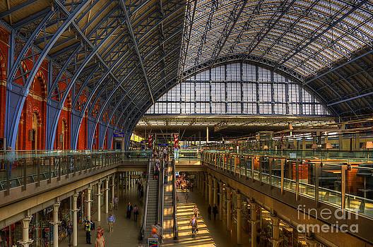 Svetlana Sewell - St Pancras Station