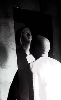 Statue by Simona Schirinzi