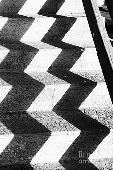 Steps Zigzag 1 by Alan Oliver