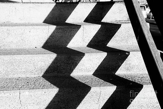 Steps Zigzag 2 by Alan Oliver