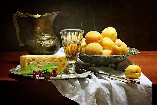 Still-life with apricots by Marina Volodko