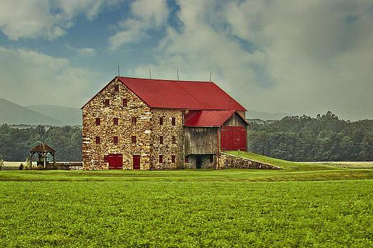 Pennsylvania Stone Barn by Margaretha Brooks