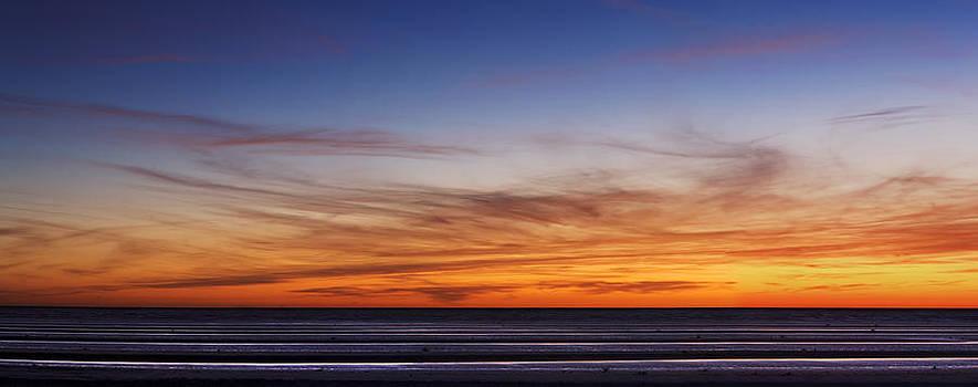 Strangely shaped beach at sunrise by Alfredo Rougouski