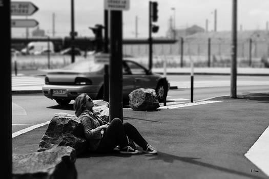 Street portrait by Thomas Leon