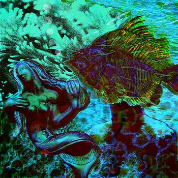 Submerged courtship by Maria Jesus Hernandez