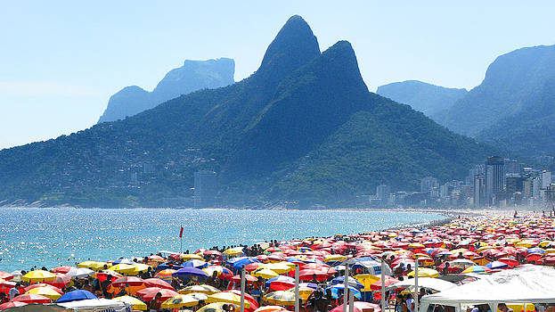 Summertime on the beach of Ipanema by Jose Francisco Abreu
