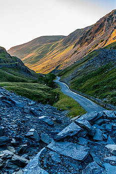 Sun setting over the Honister Pass by Stuart Gennery