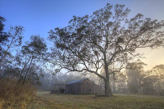 Sunrise Barn by Steve Caldwell