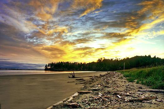 Sunrise on the Beach by Rod Mathis