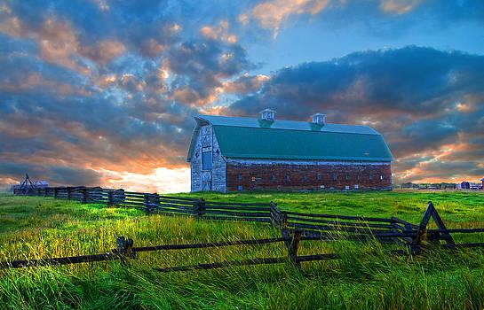Randall Branham - Sunrise Splitrail fence Barn